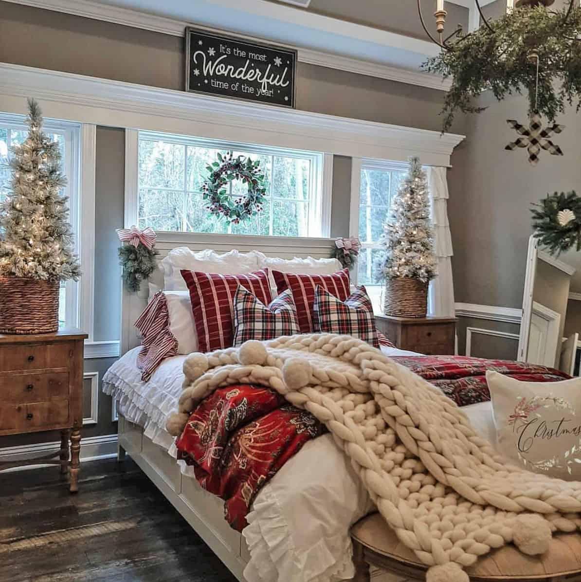rustic-farmhouse-christmas-decorating-ideas-bedroom