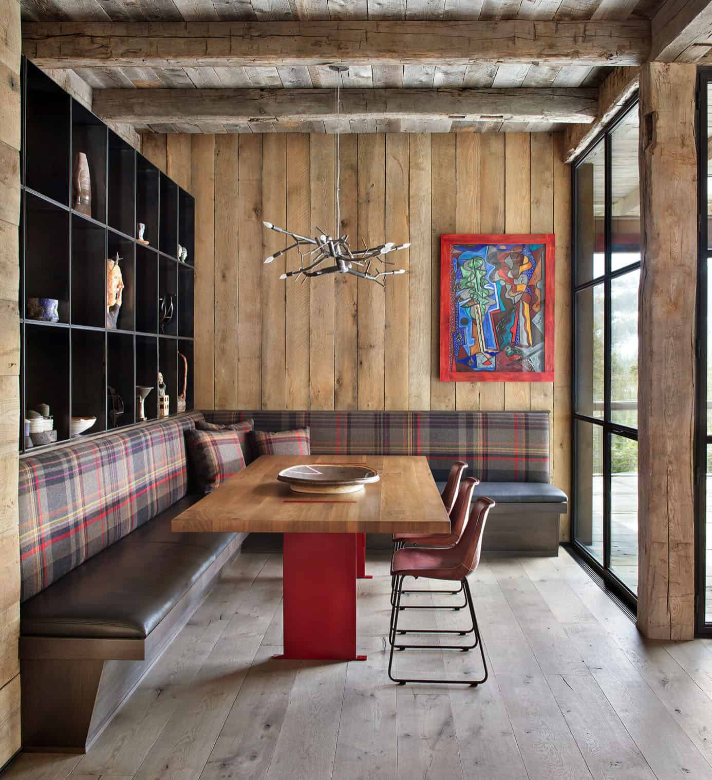 rustic-mountain-style-dining-room