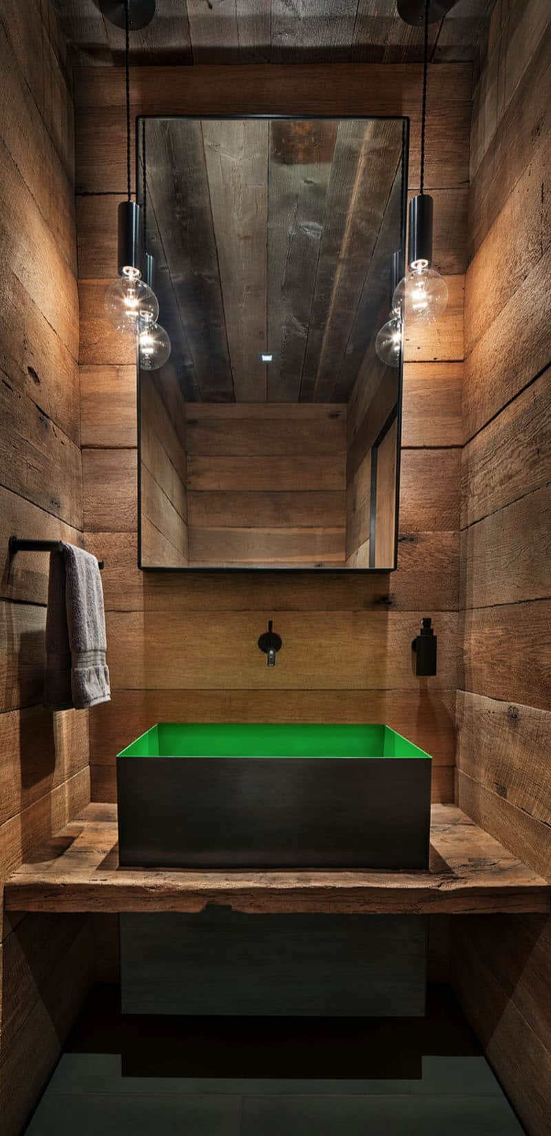 rustic-mountain-style-powder-room