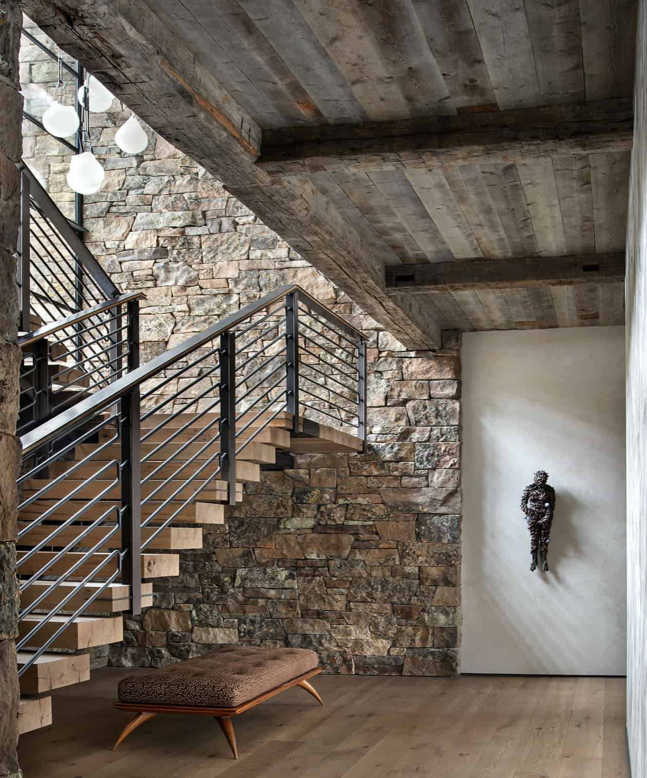 rustic-mountain-style-staircase