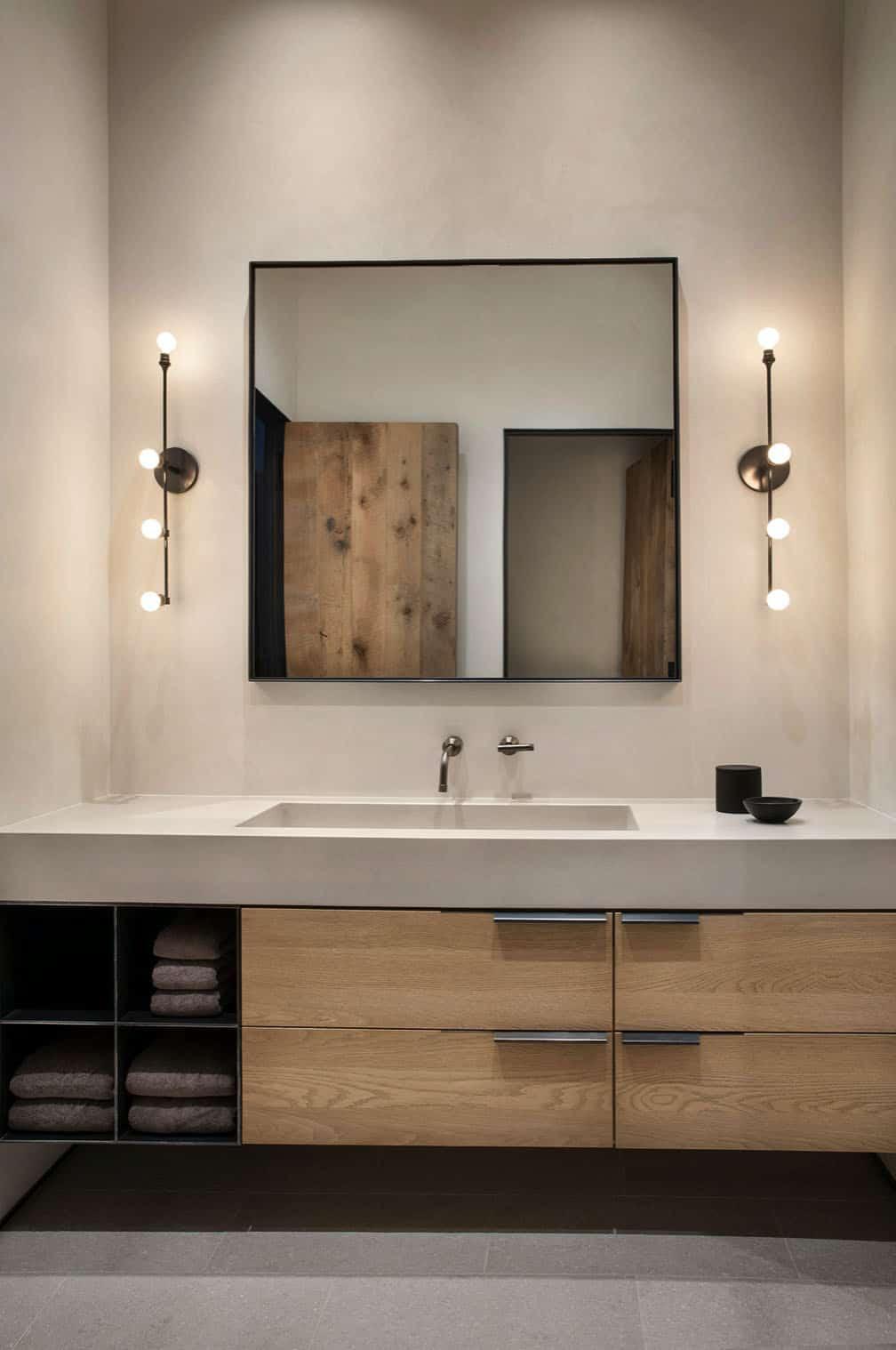 rustic-mountain-style-bathroom
