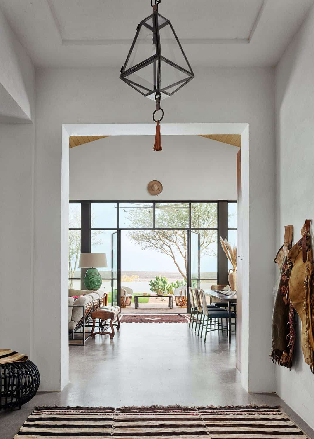ranch-style-hall