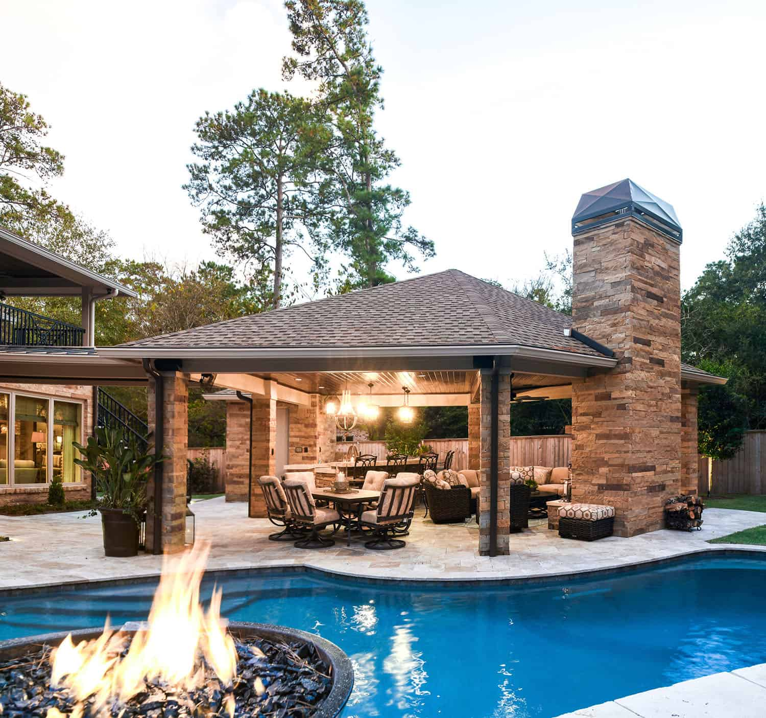 transitional-style-home-swimming-pool