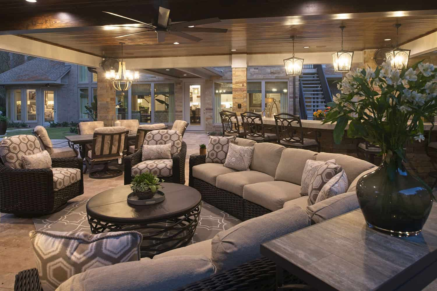 transitional-style-home-patio-outdoor-living-room