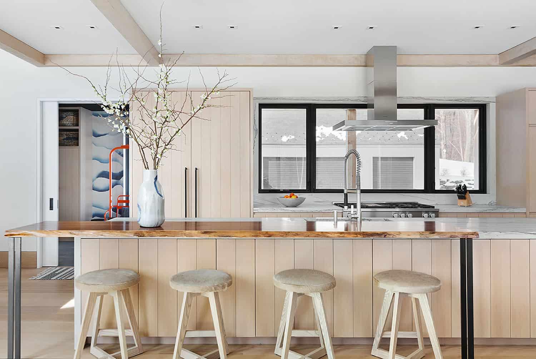luxury-mountain-kitchen
