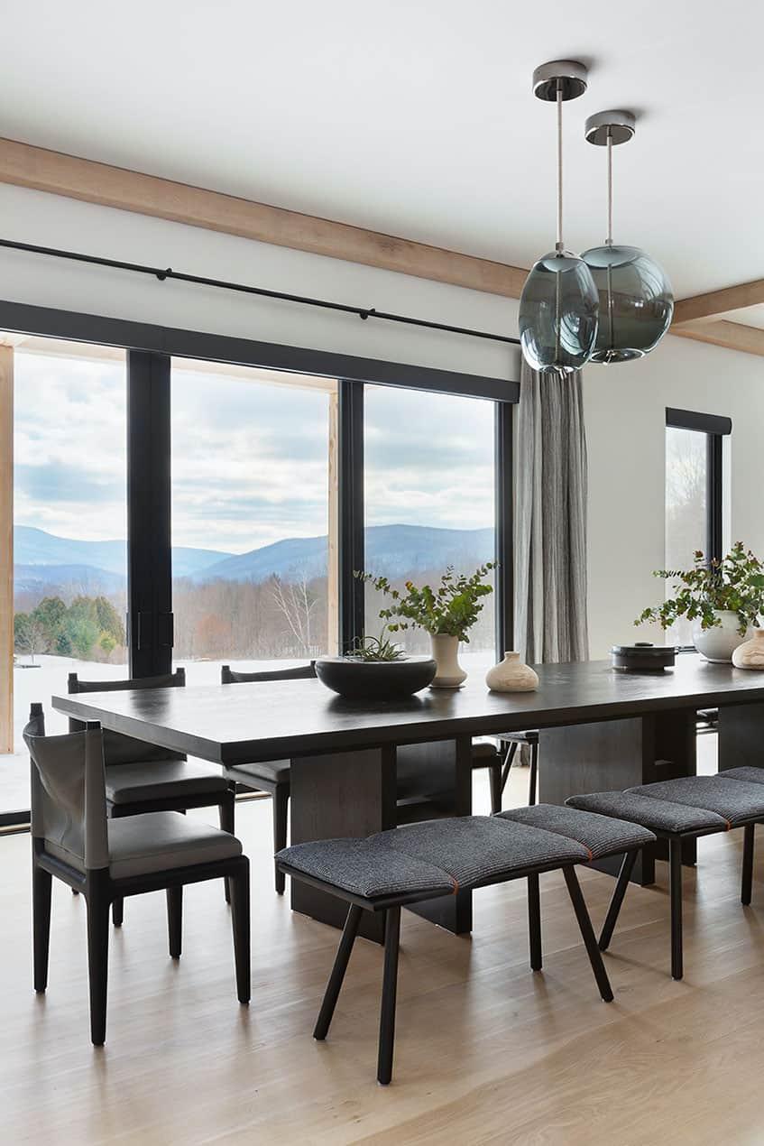 luxury-mountain-dining-room
