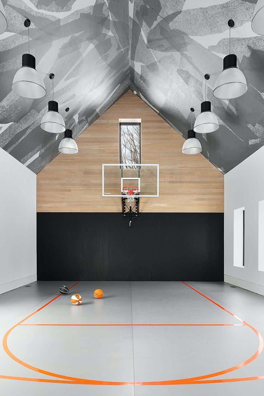 luxury-mountain-sports-court