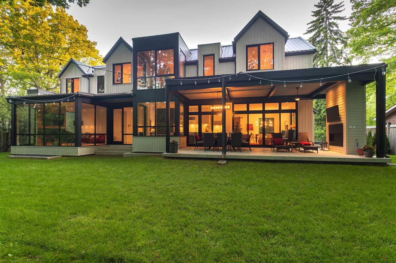 contemporary-backayard-and-back-porch