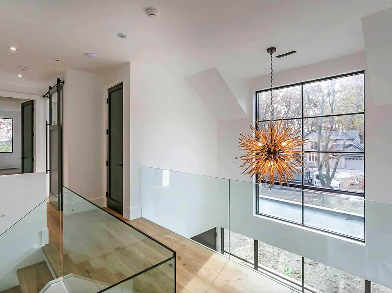entryway-chandelier