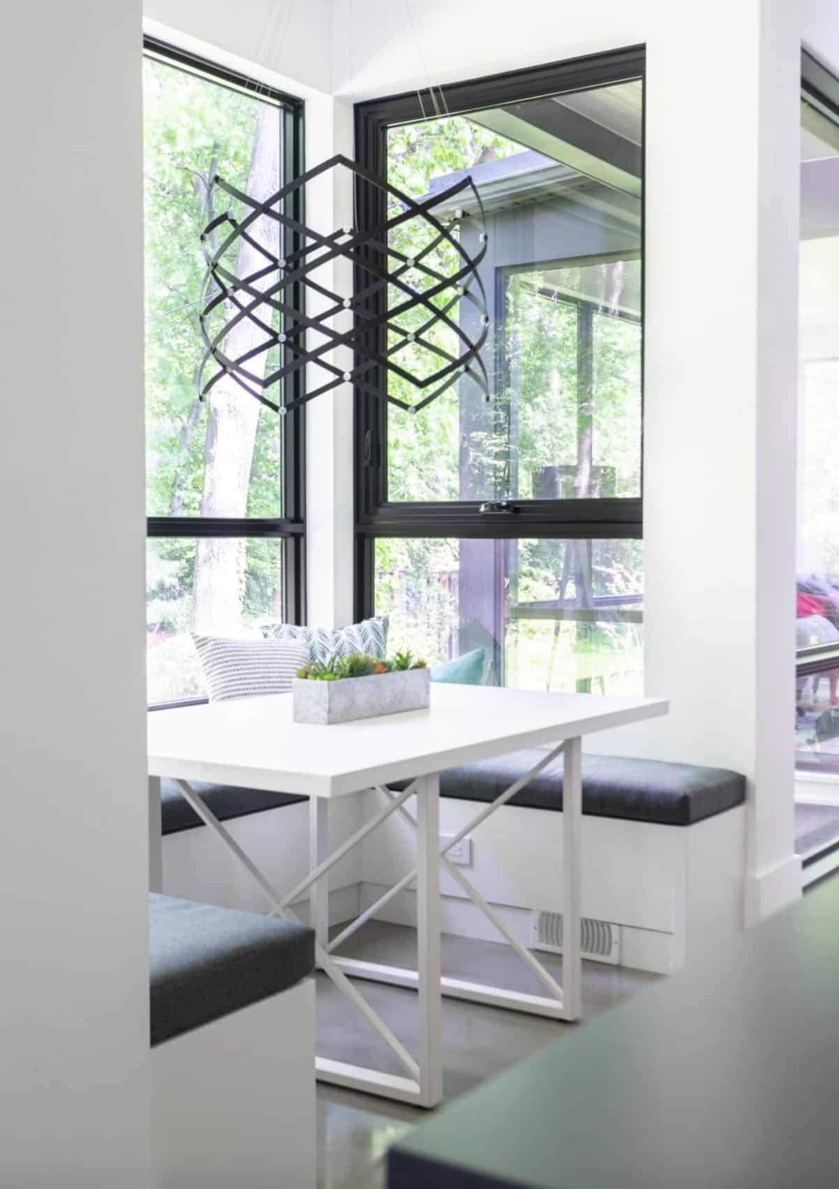 contemporary-kitchen-dining-nook