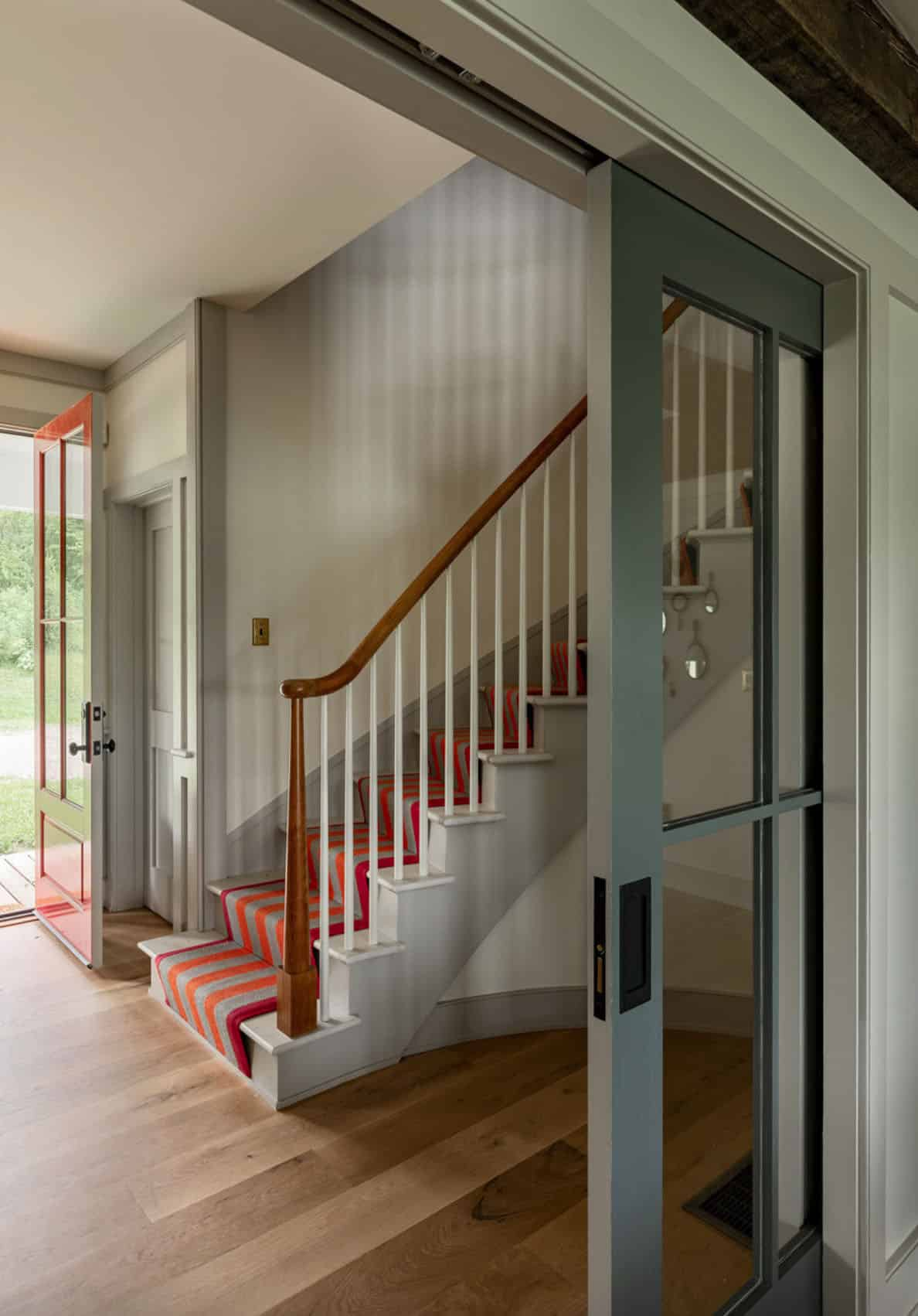 farmhouse-staircase-entry