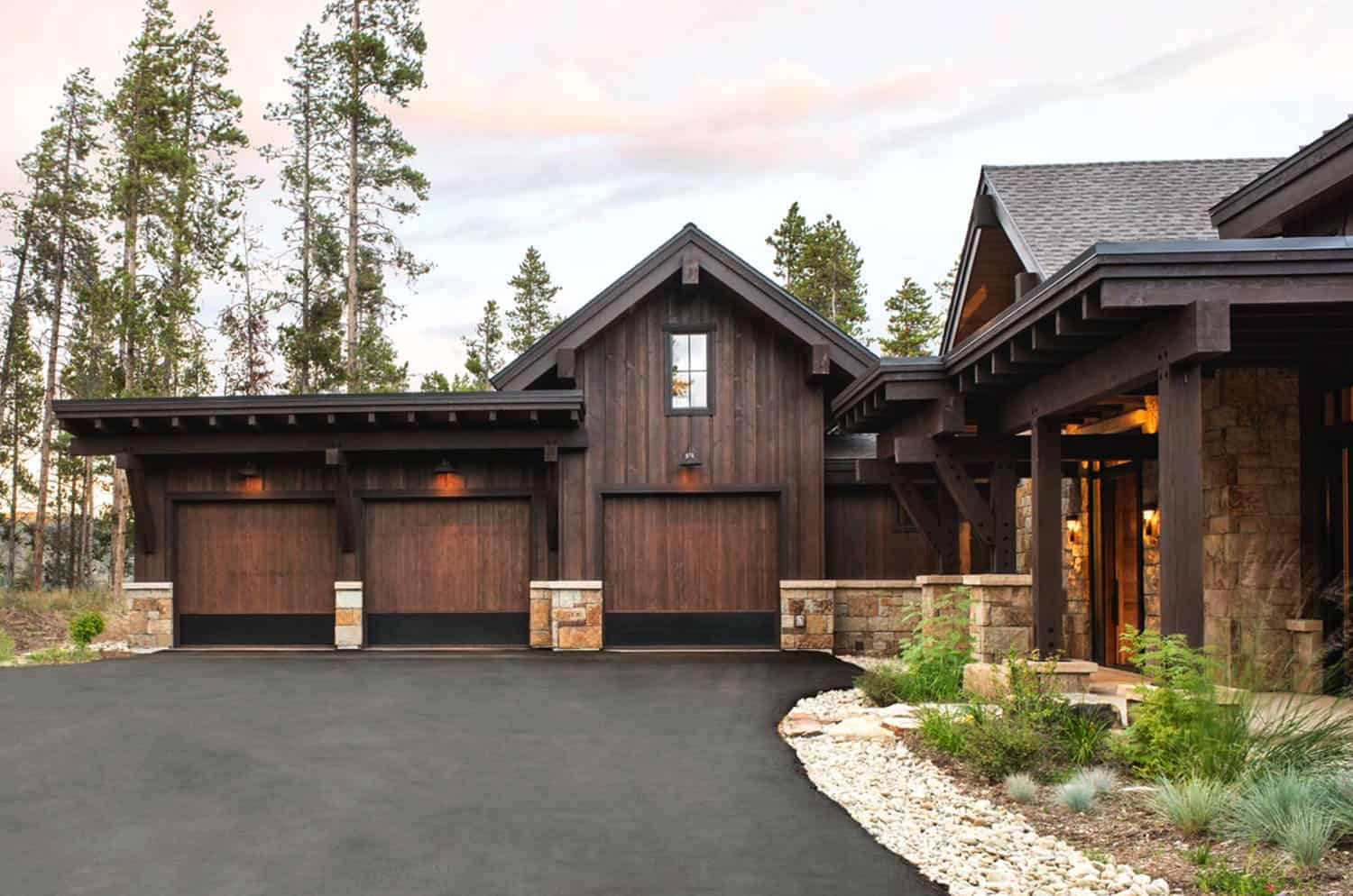 craftsman-style-mountain-home-exterior