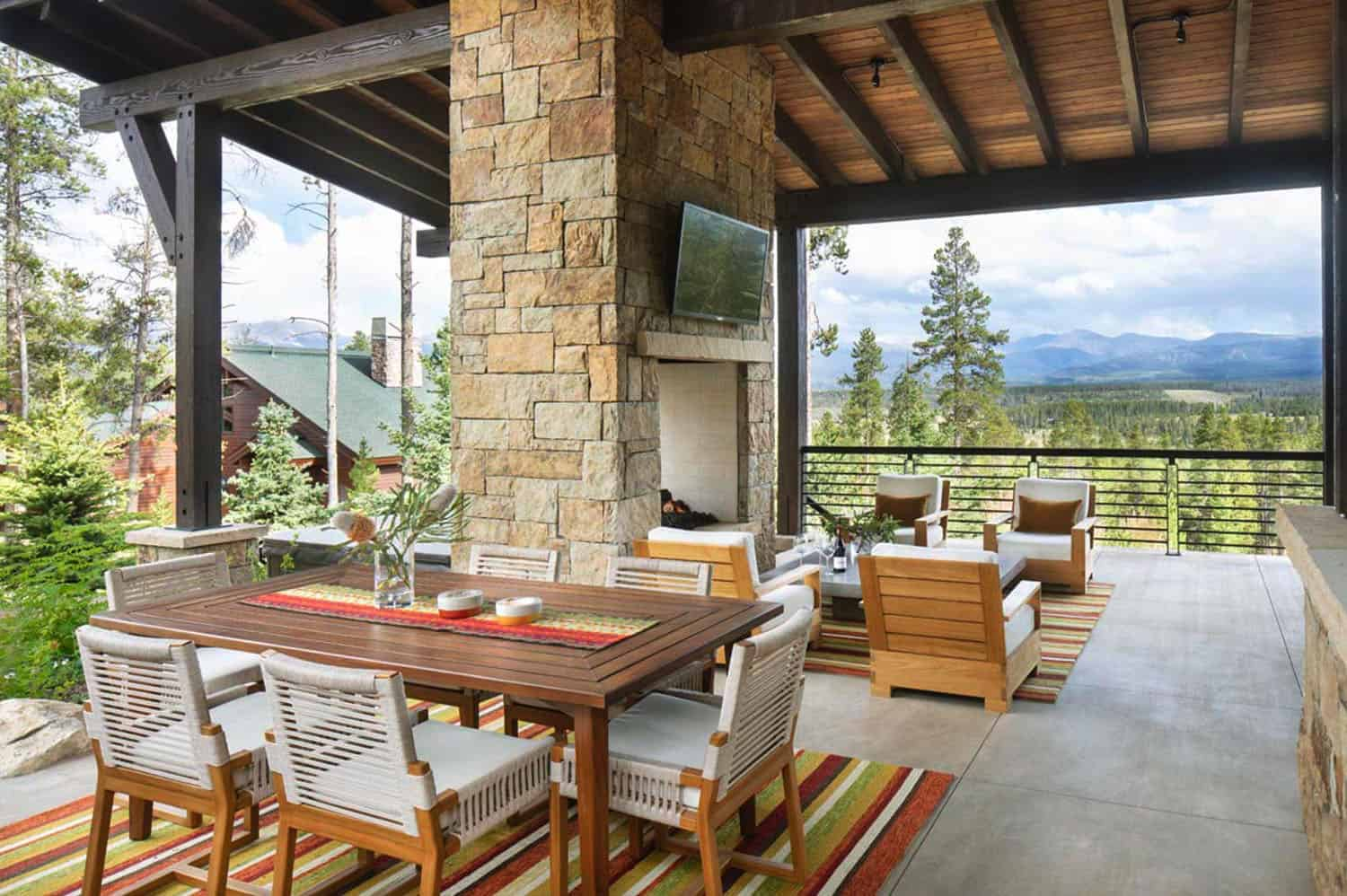 craftsman-style-mountain-home-patio