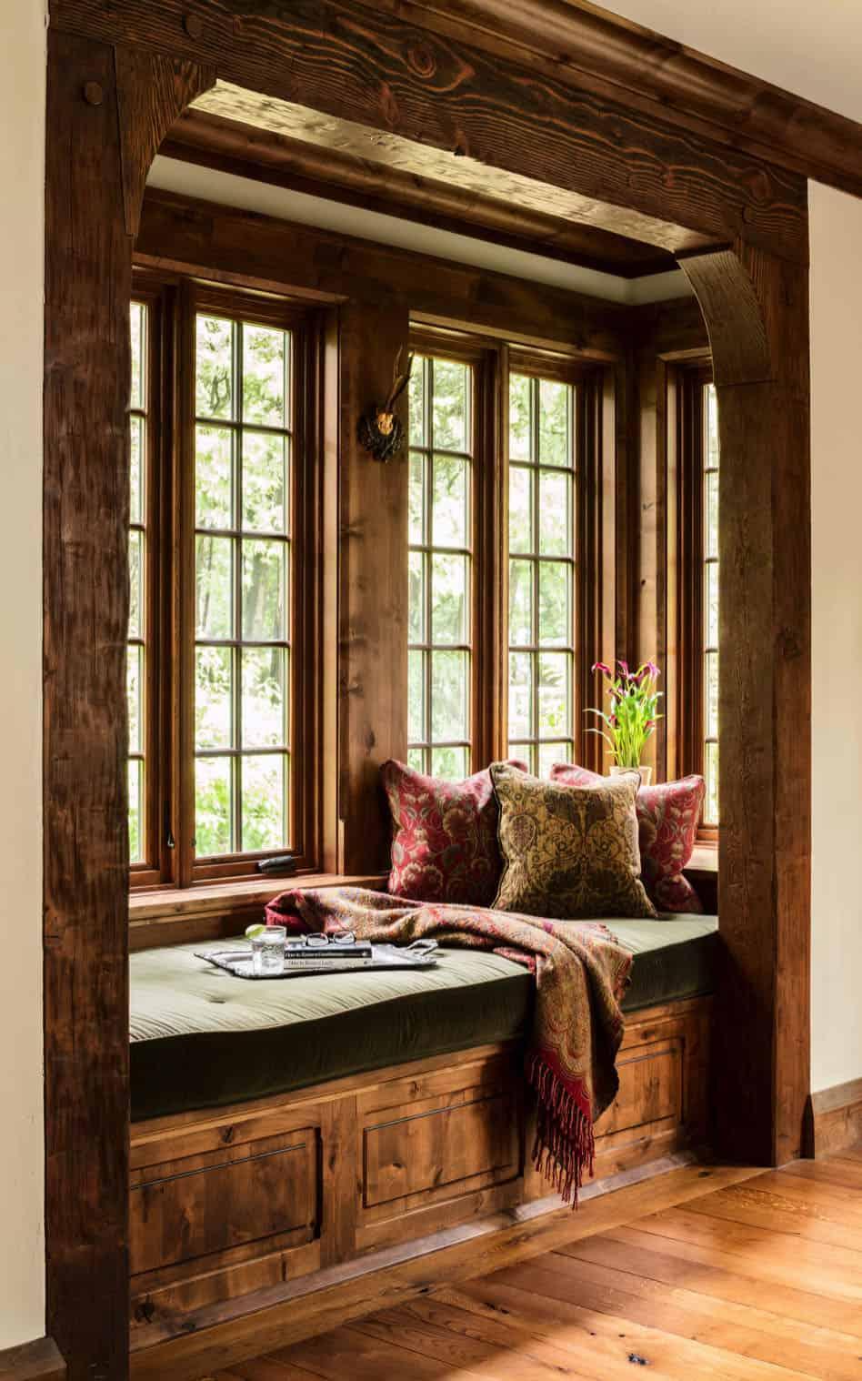 victorian-living-room-window-seat