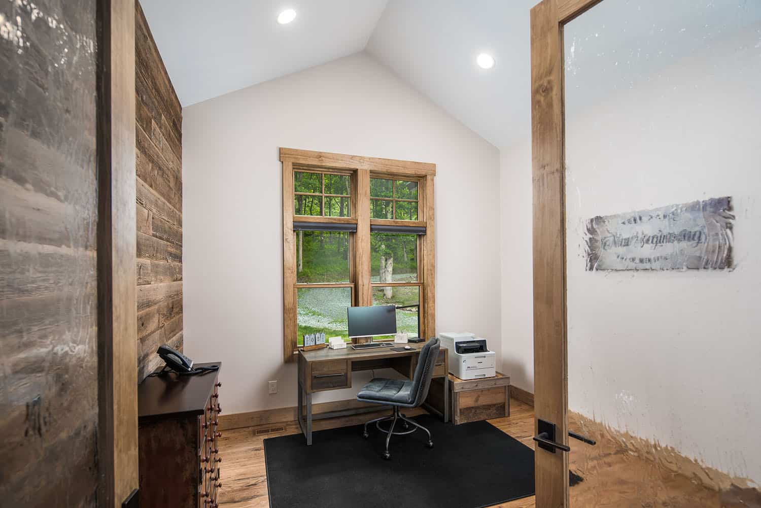 mountain-style-home-office