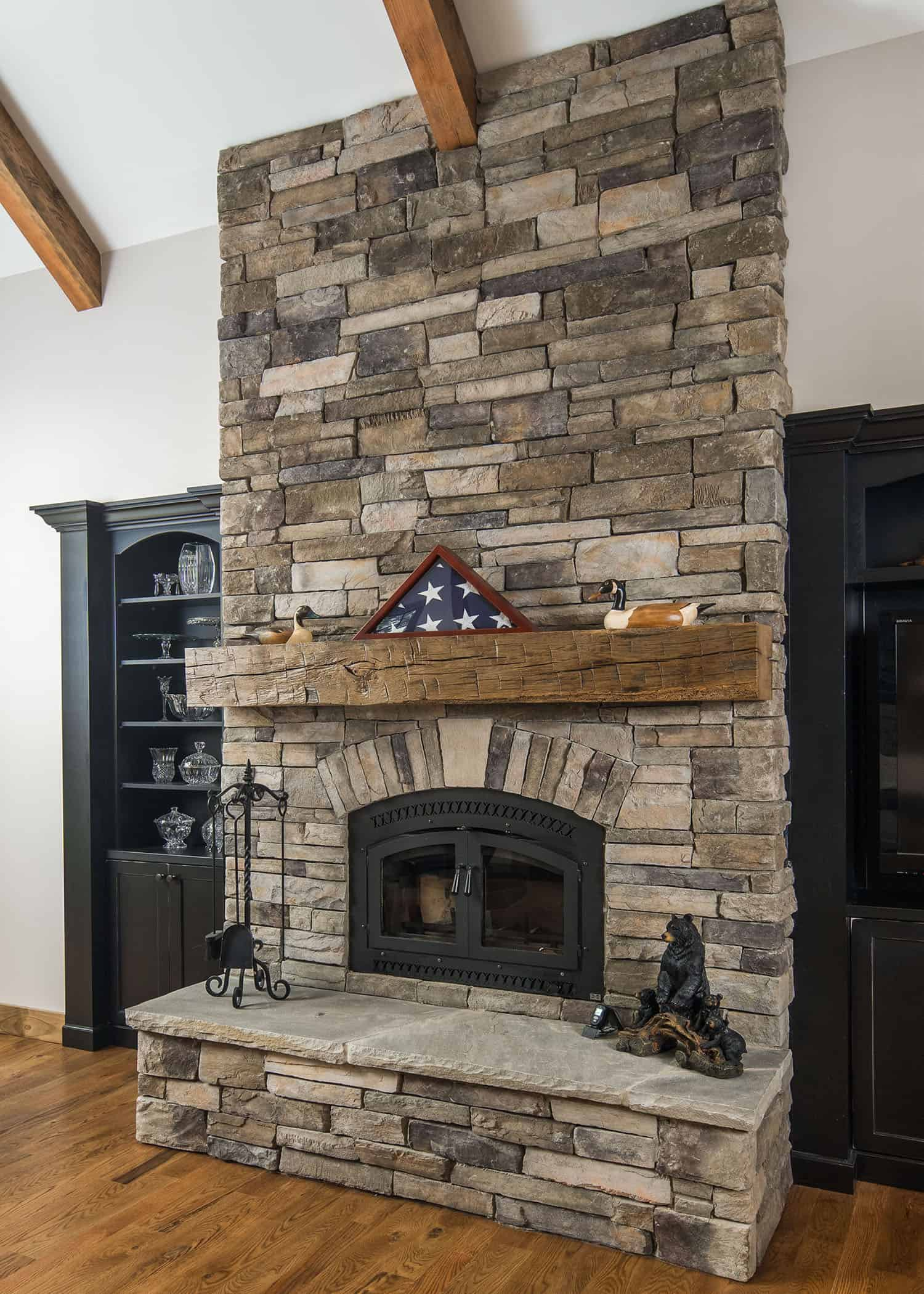 mountain-style-living-room-fireplace