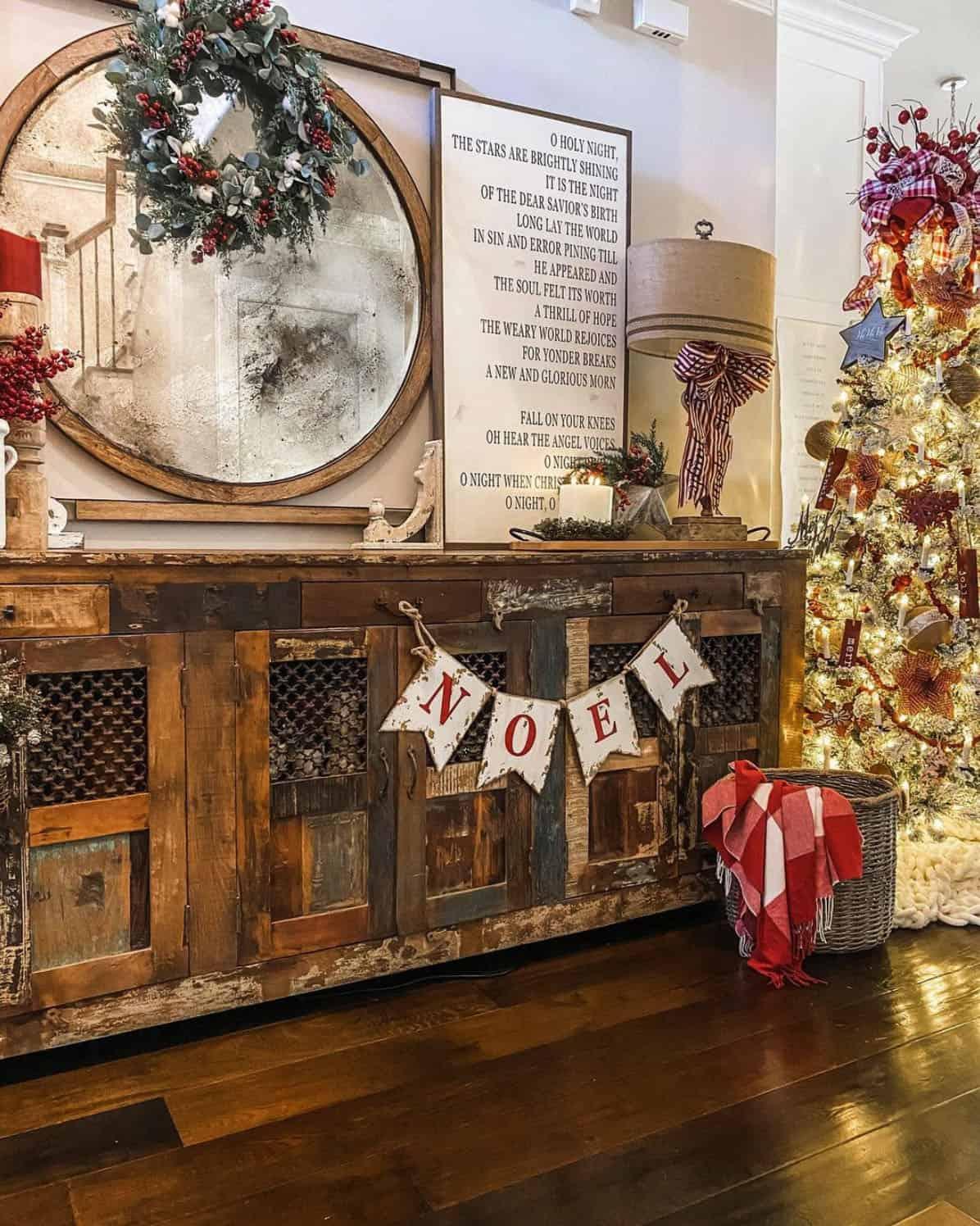 holiday-decor-ideas-hall