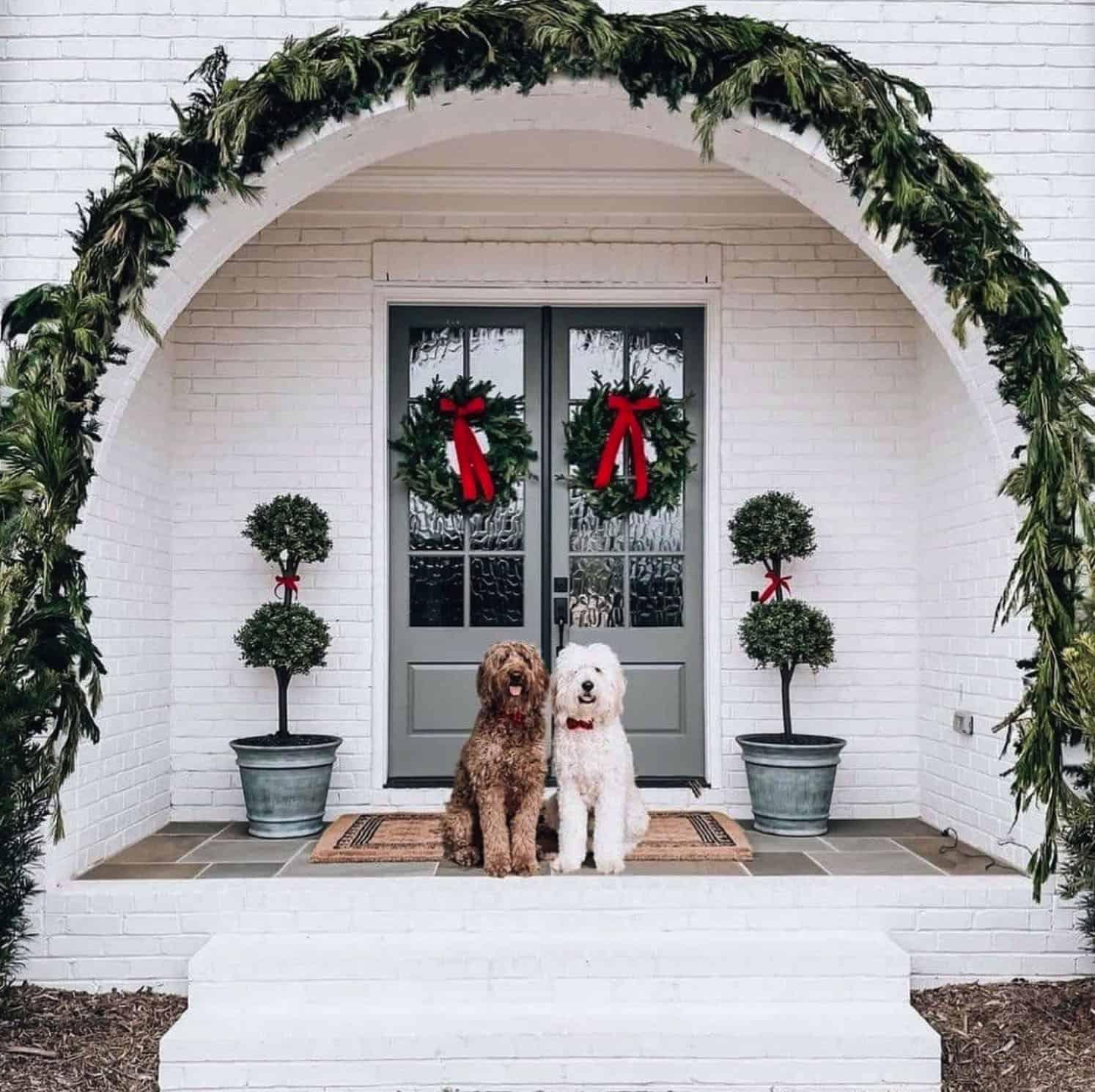 holiday-decor-ideas-front-door