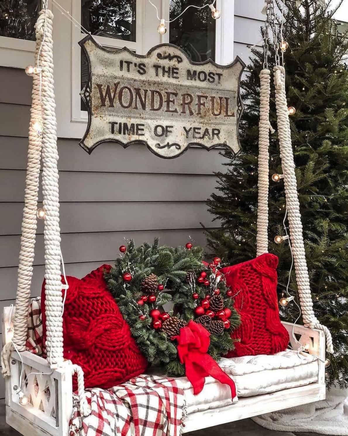 holiday-decor-ideas-porch-swing