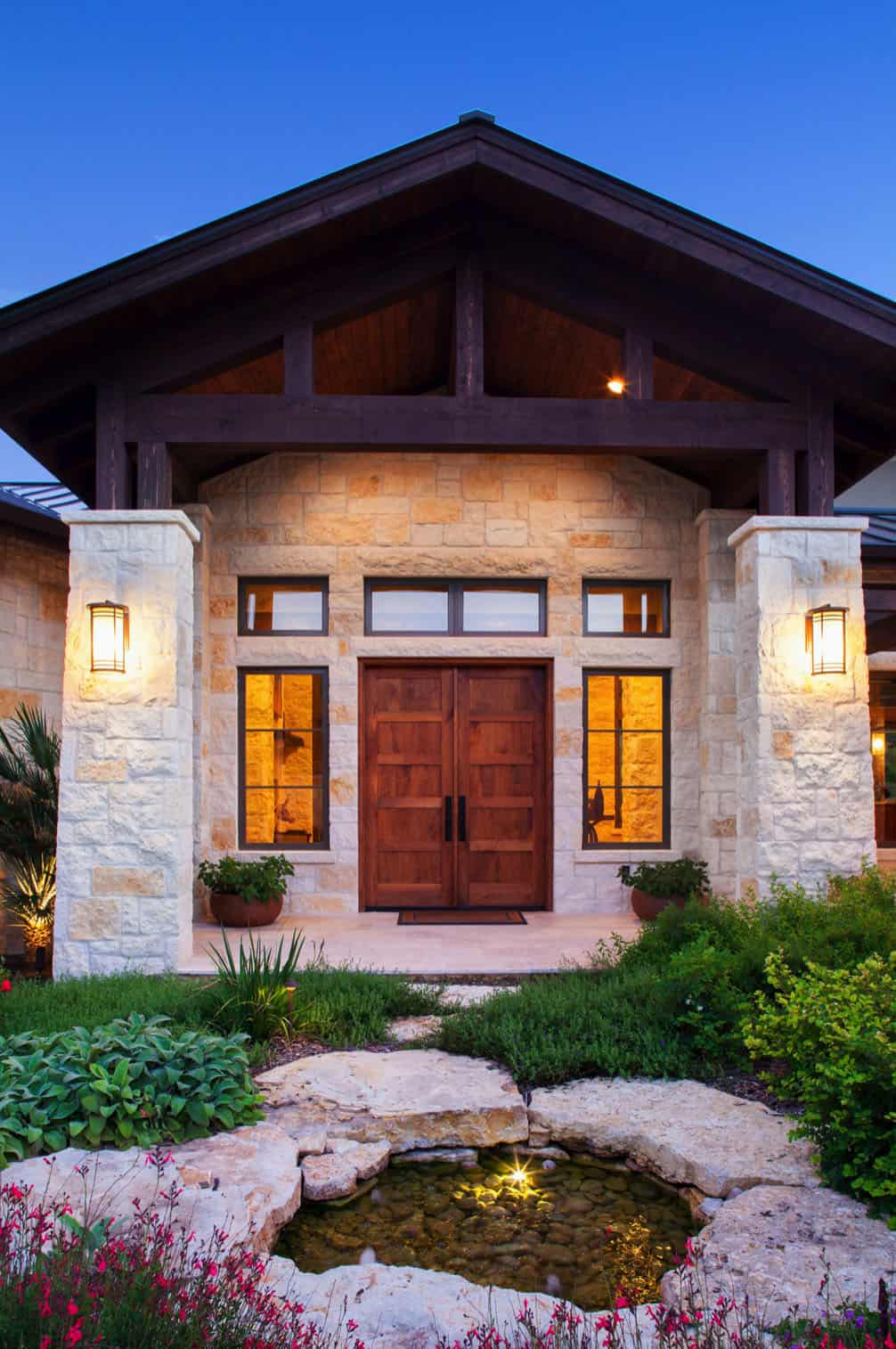 rustic-home-entry-timeless-aesthetics