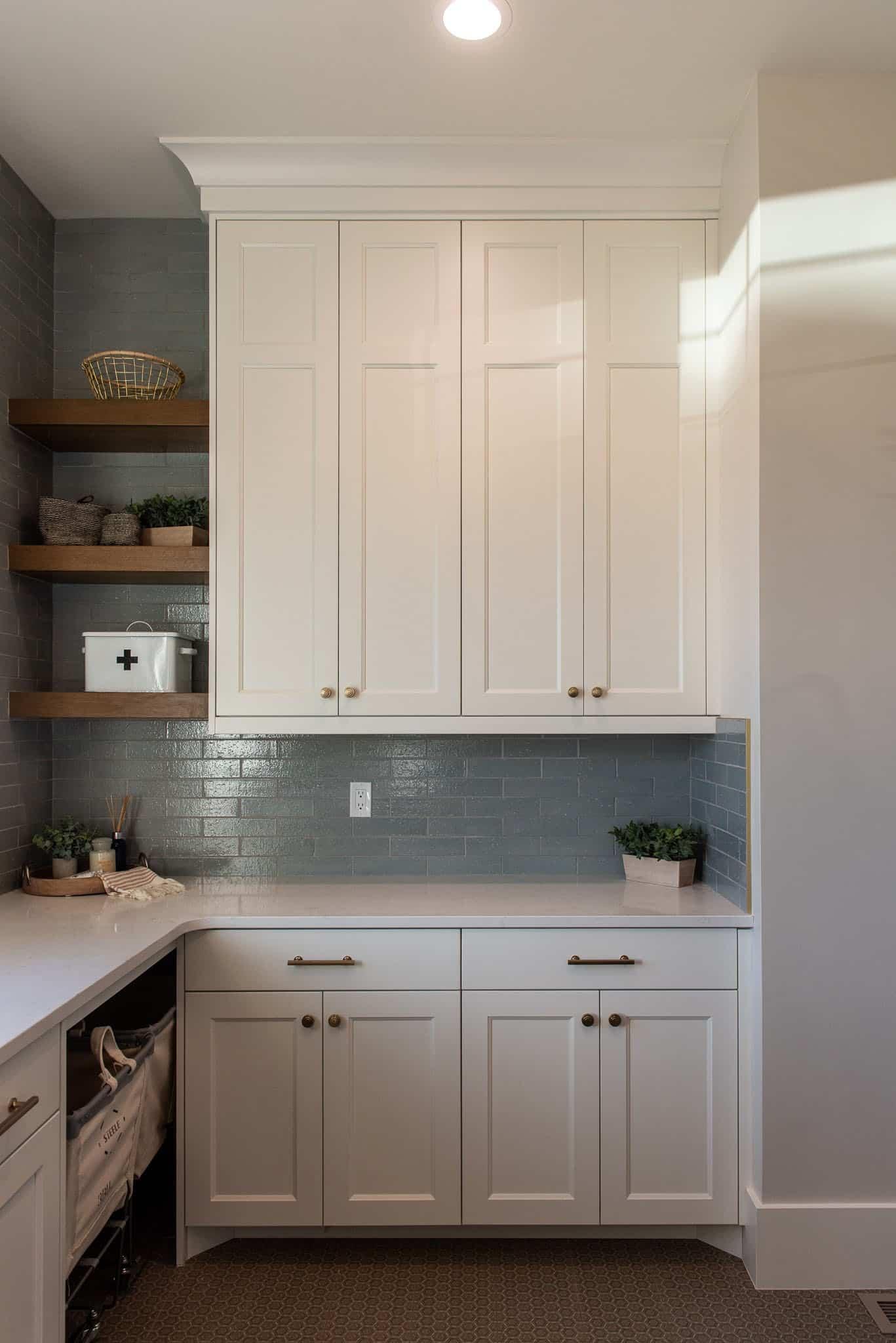 modern-farmhouse-style-laundry-room