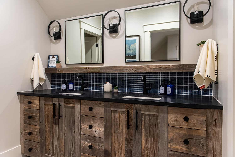 modern-farmhouse-style-bathroom-vanity
