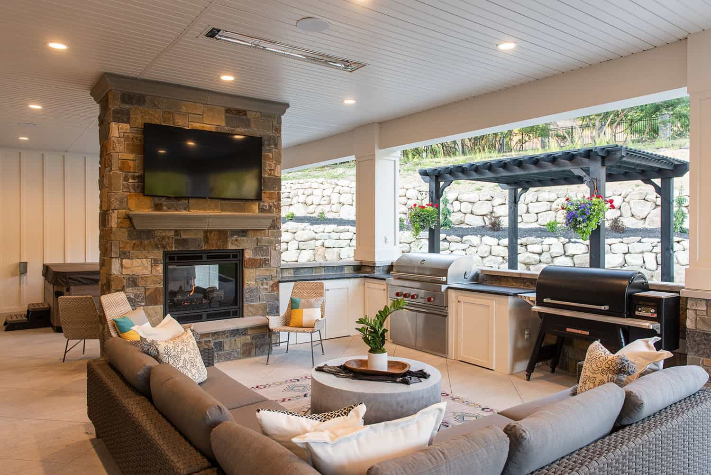 modern-farmhouse-style-covered-patio