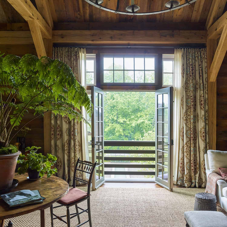 barn-cottage-dining-room