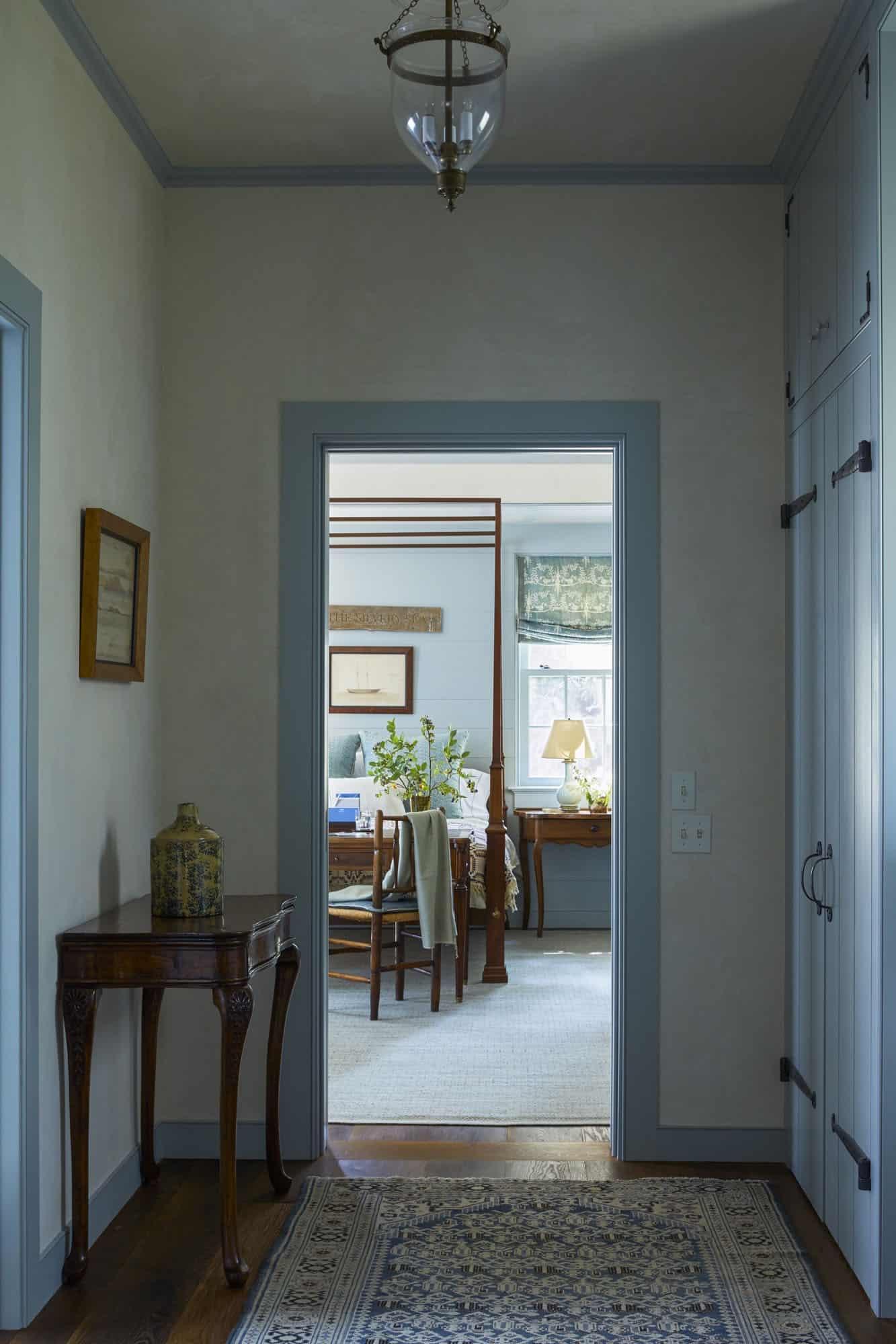 barn-cottage-hallway