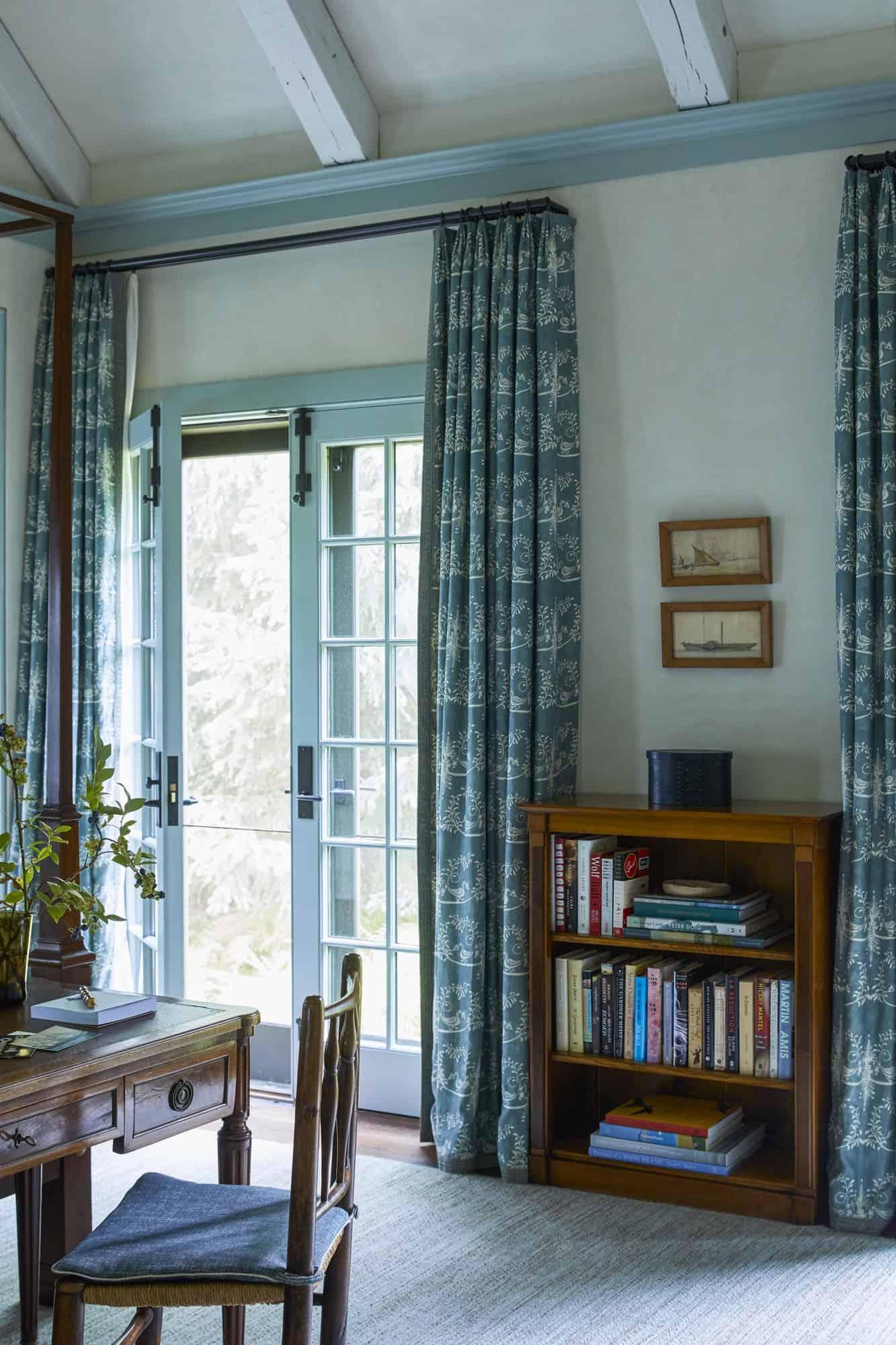 barn-cottage-bedroom