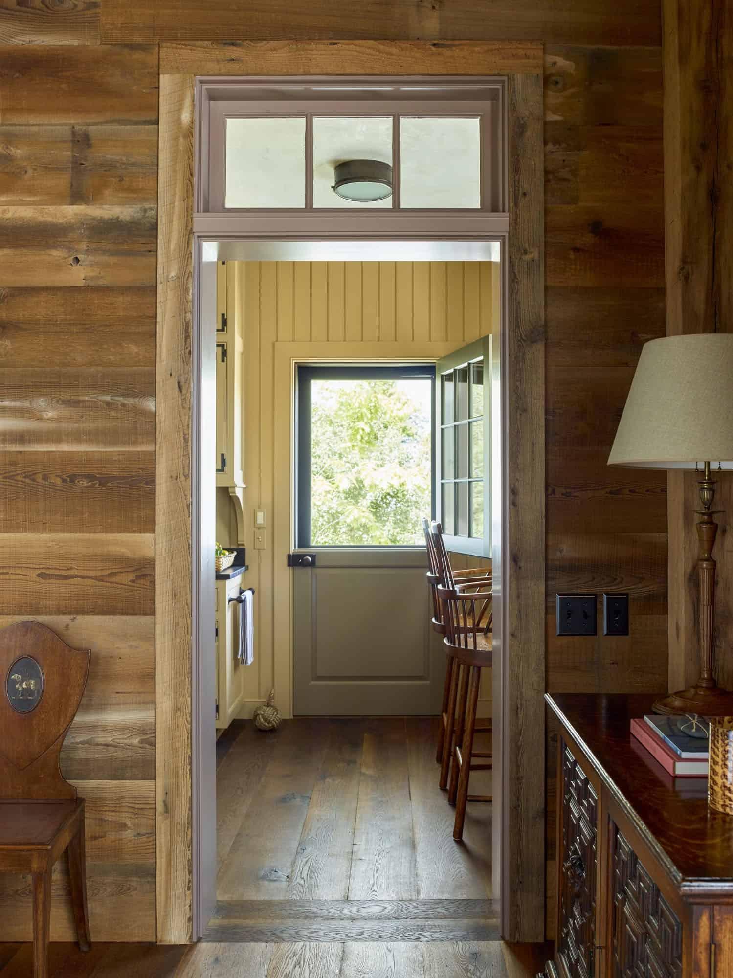 barn-cottage-hall