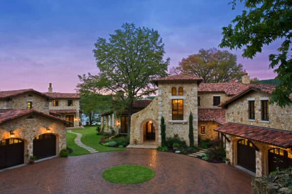 featured posts image for Mediterranean style lakefront estate in Texas with a romantic ambiance