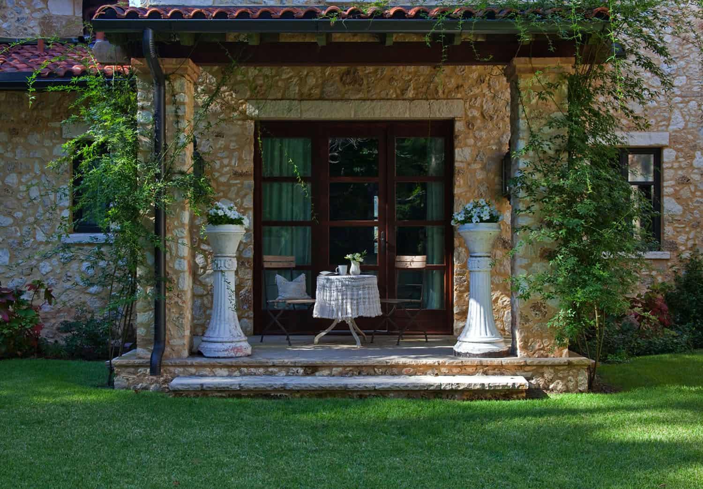 mediterranean-home-exterior-landscape