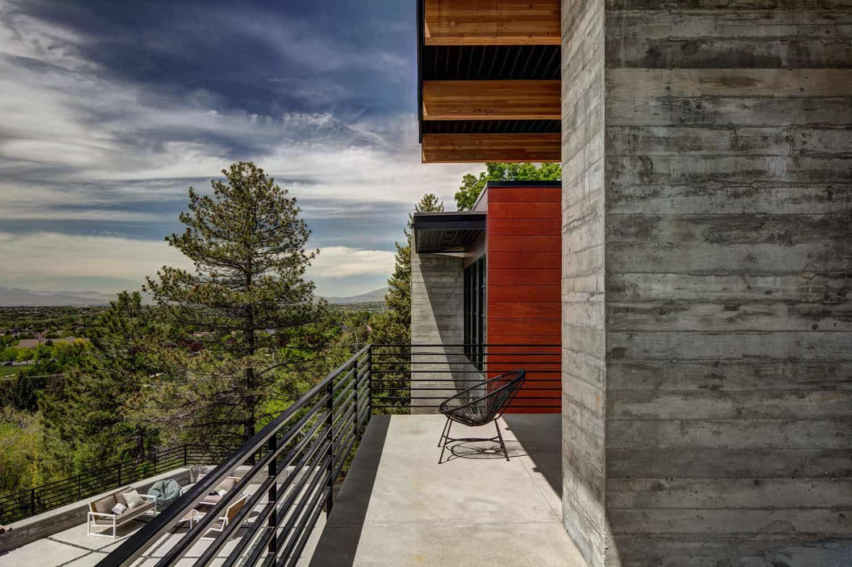 residence-midcentury-balcony