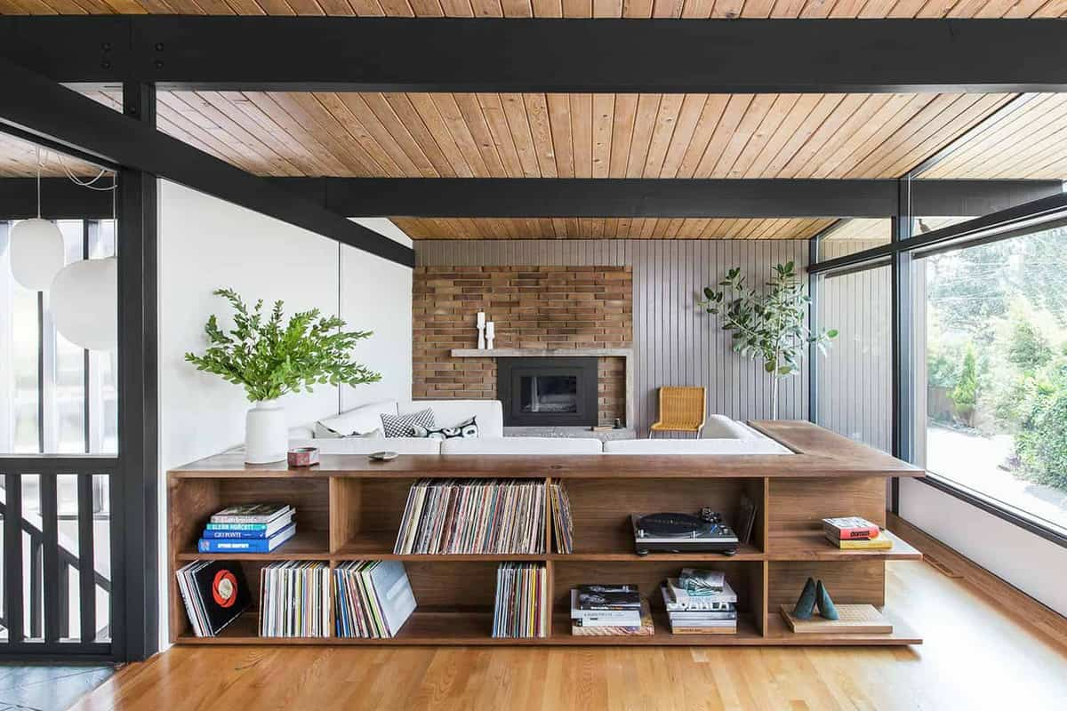 Brilliant renovation of a hillside midcentury modern home in Seattle