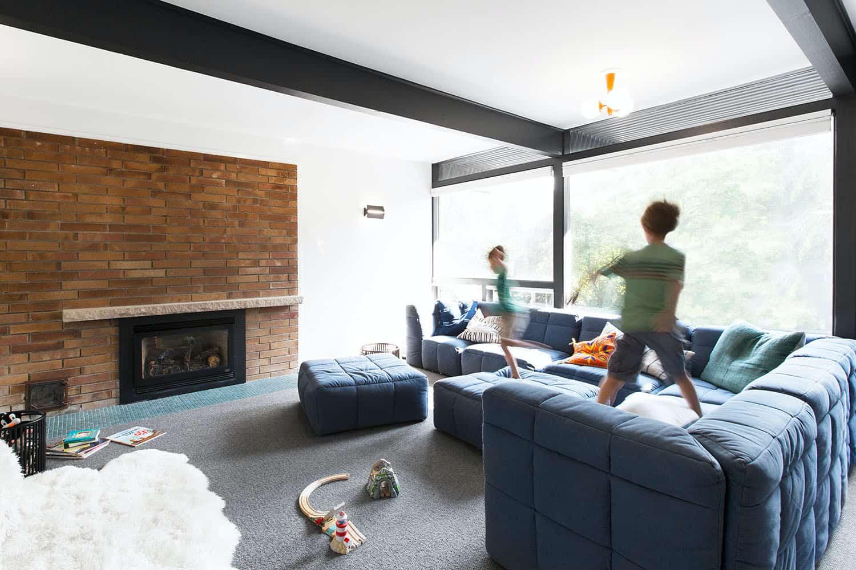 midcentury-modern-family-room
