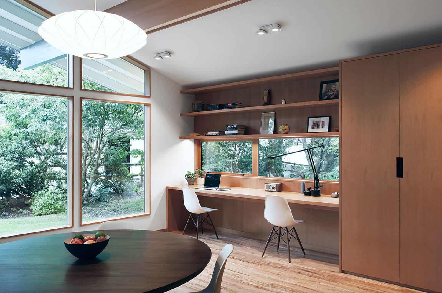 Before and After: Fascinating renovation of a midcentury home in Seattle