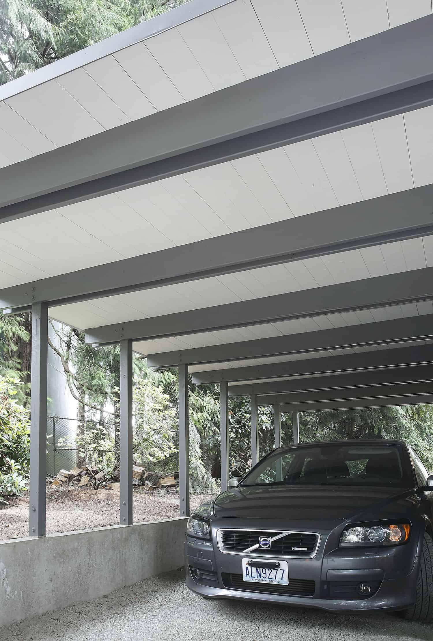 midcentury-modern-home-garage