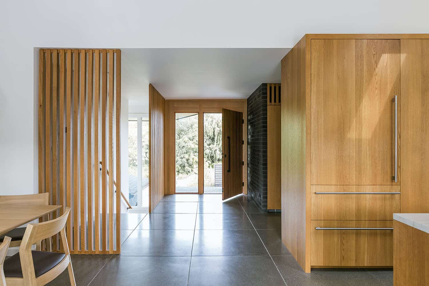 ranch-house-midcentury-entry