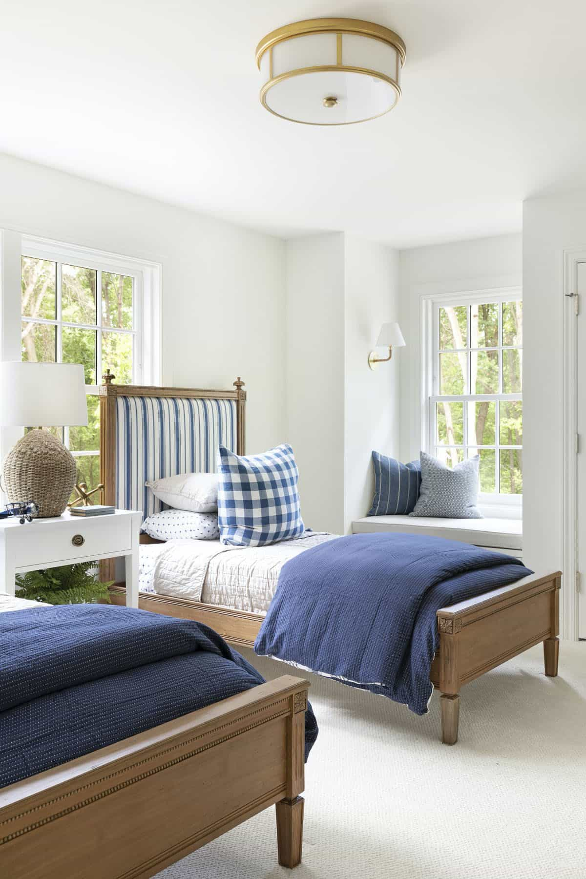 cottage-style-kids-bedroom