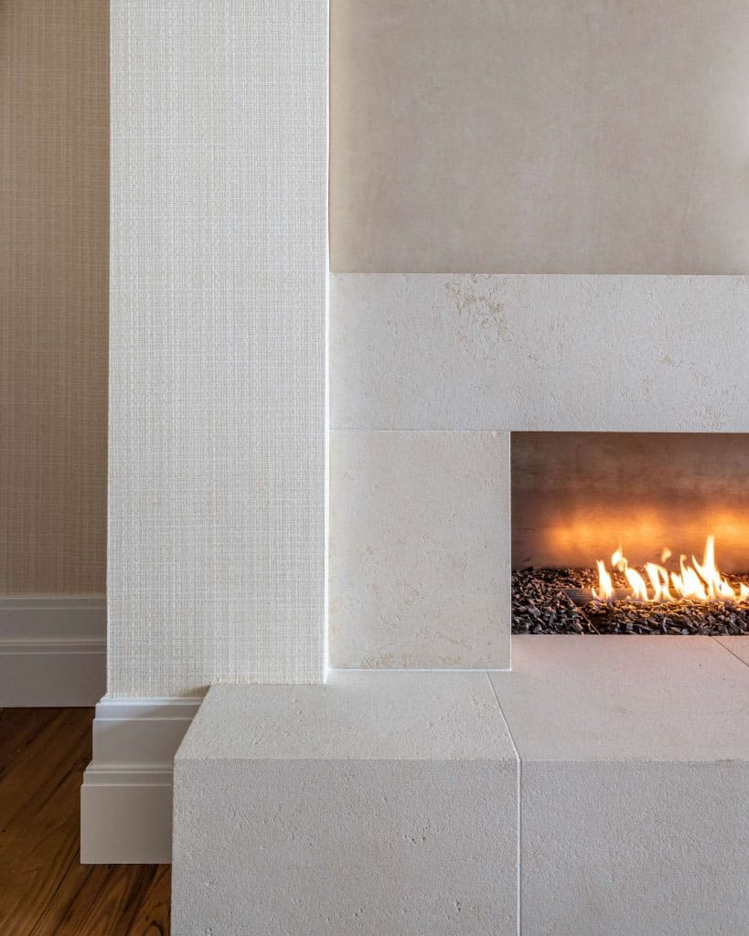 modern-ski-house-fireplace