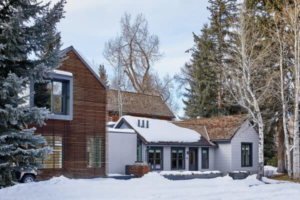 featured posts image for Miner's cabin transformed into modern ski retreat in the Rocky Mountains