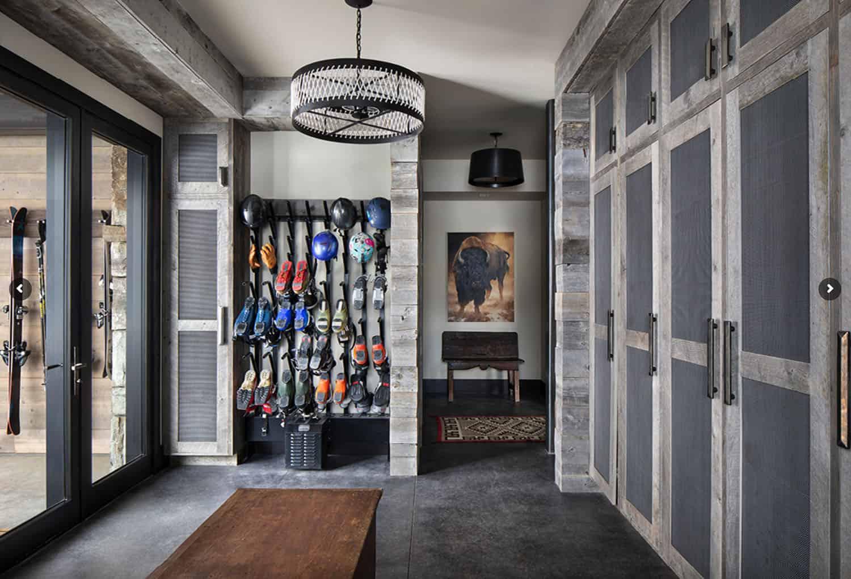 ski-home-rustic-mudroom-entry-ski-storage