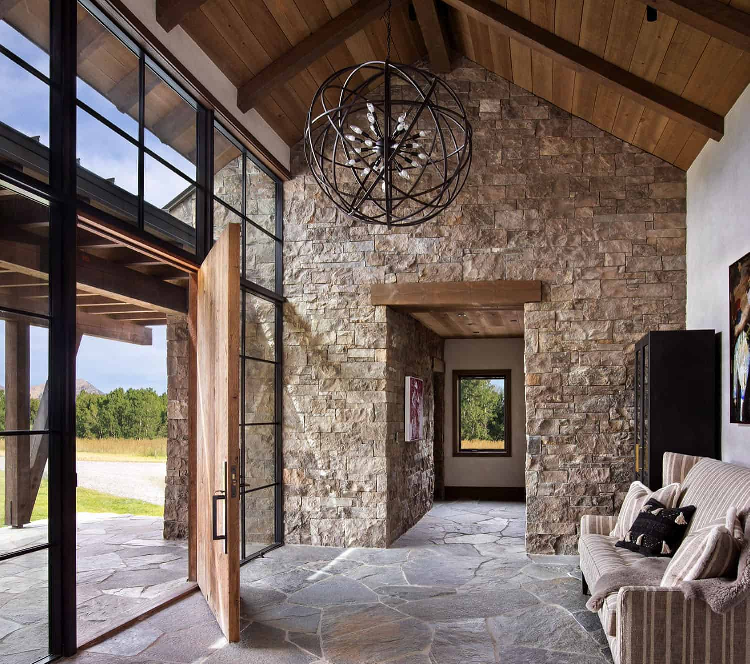 mountain-ranch-house-entry