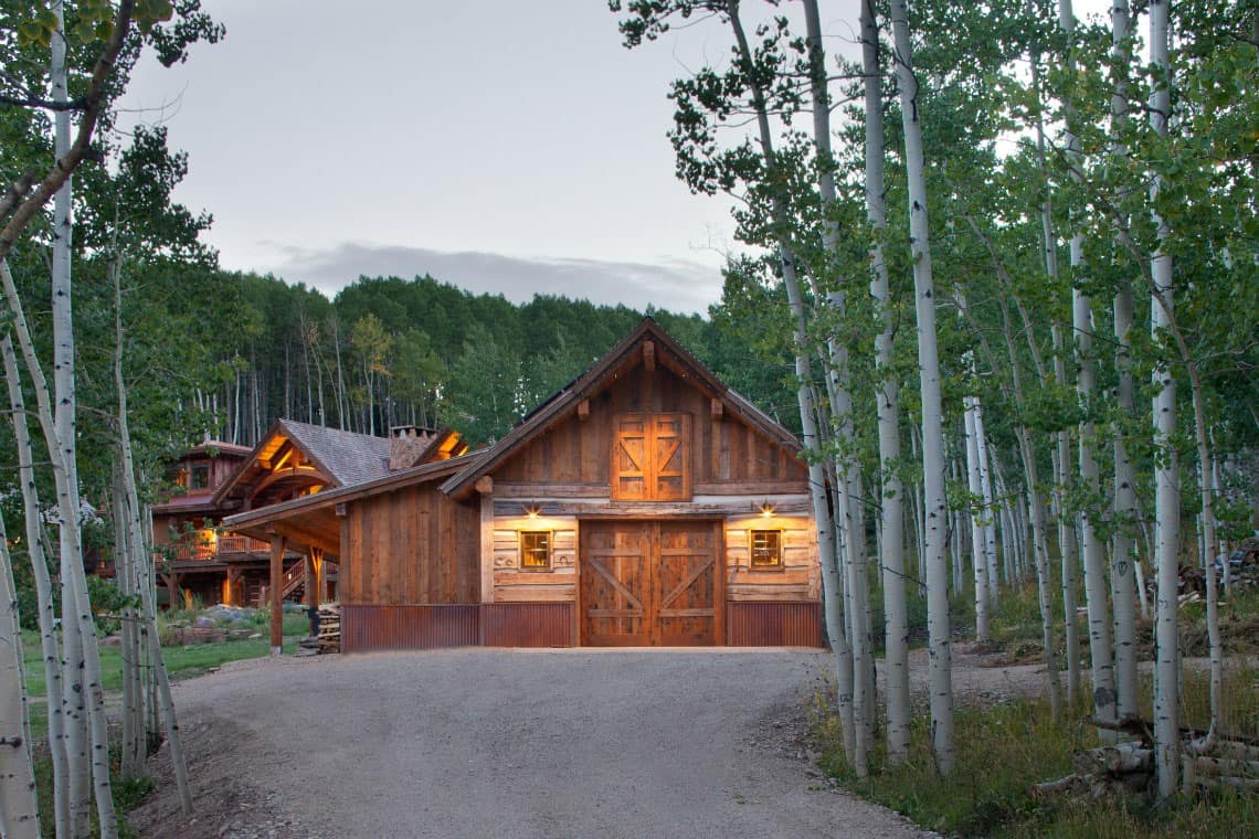 mountain-ranch-rustic-shed