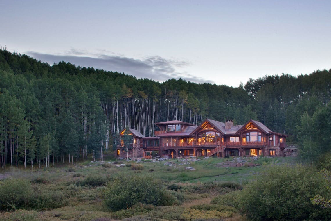 mountain-ranch-rustic-exterior
