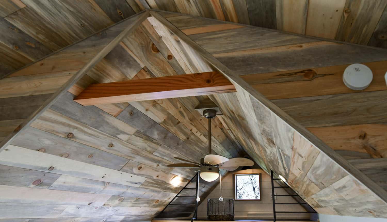 off-grid-tiny-home-farmhouse-living-room-ceiling-detail