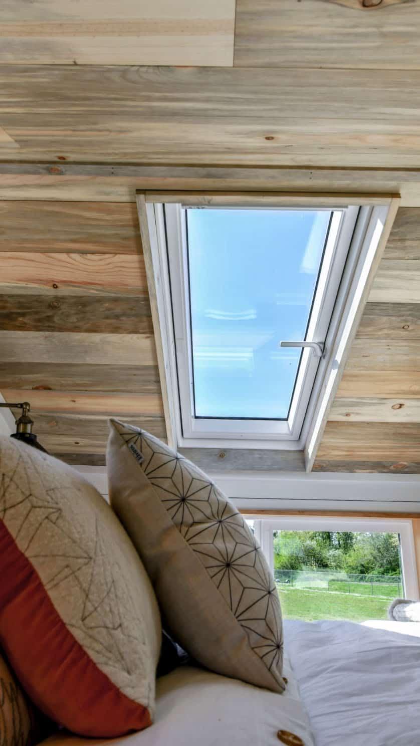 off-grid-tiny-home-farmhouse-bedroom