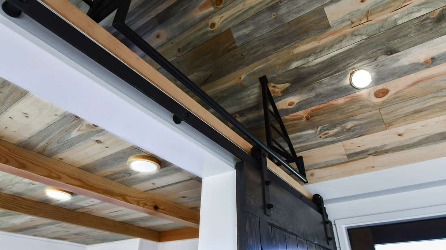 off-grid-tiny-home-farmhouse-home-office-ceiling-detail