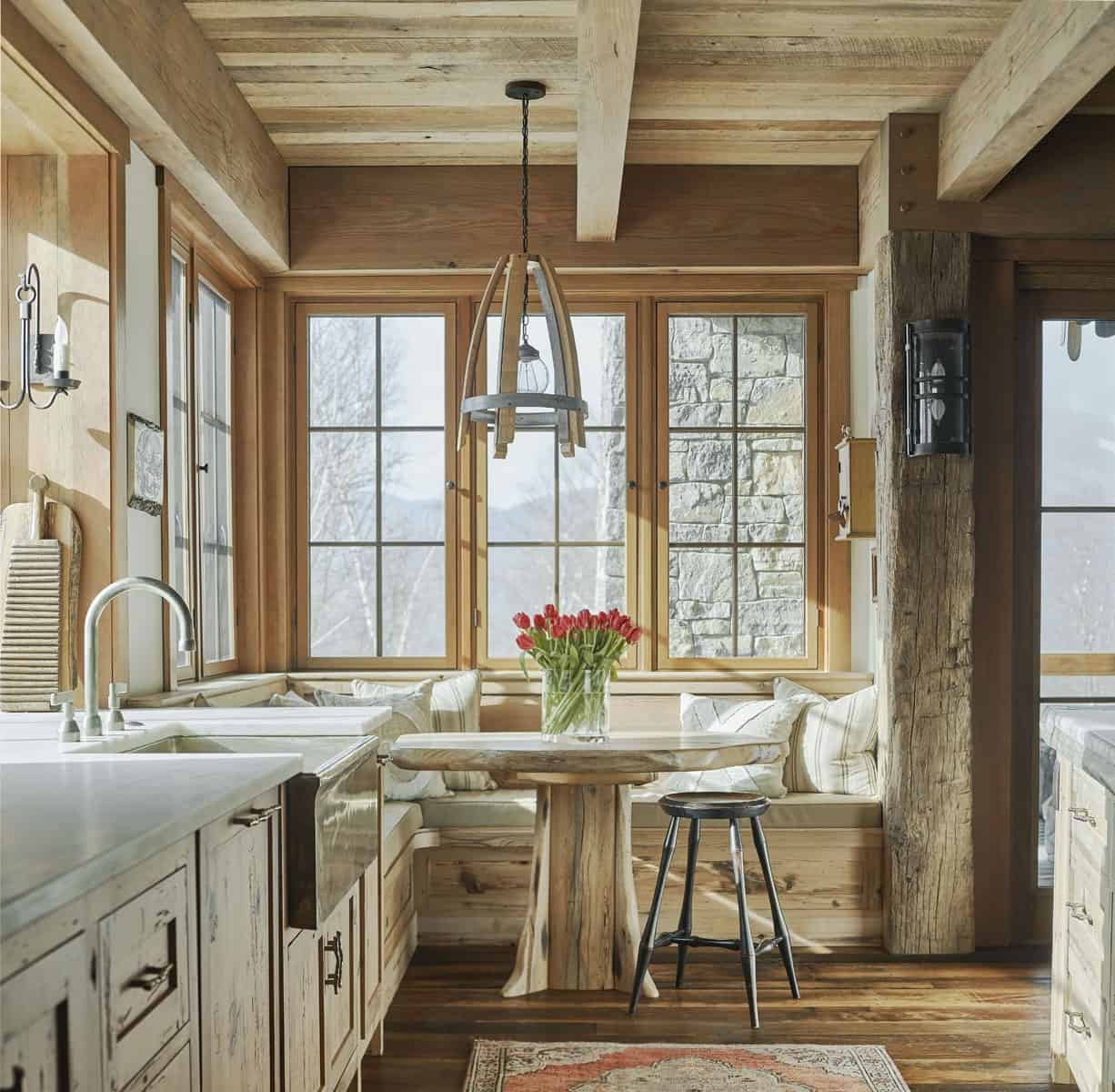 rustic-kitchen-breakfast-nook